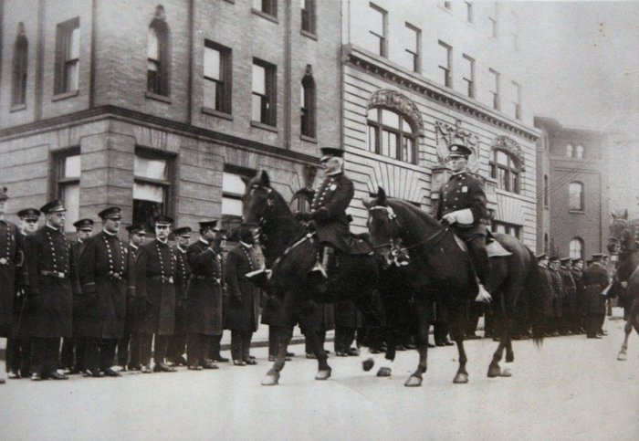 Image: Newark Mounted Police via nj.com